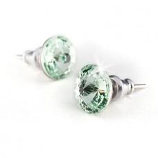 Fülbevaló, SWAROVSKI® kristállyal, alma zöld színű, csúcsos, 8mm, ART CRYSTELLA